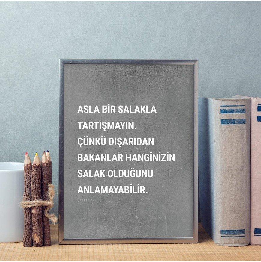 Asla bir salakla tartışmayın. - Poster
